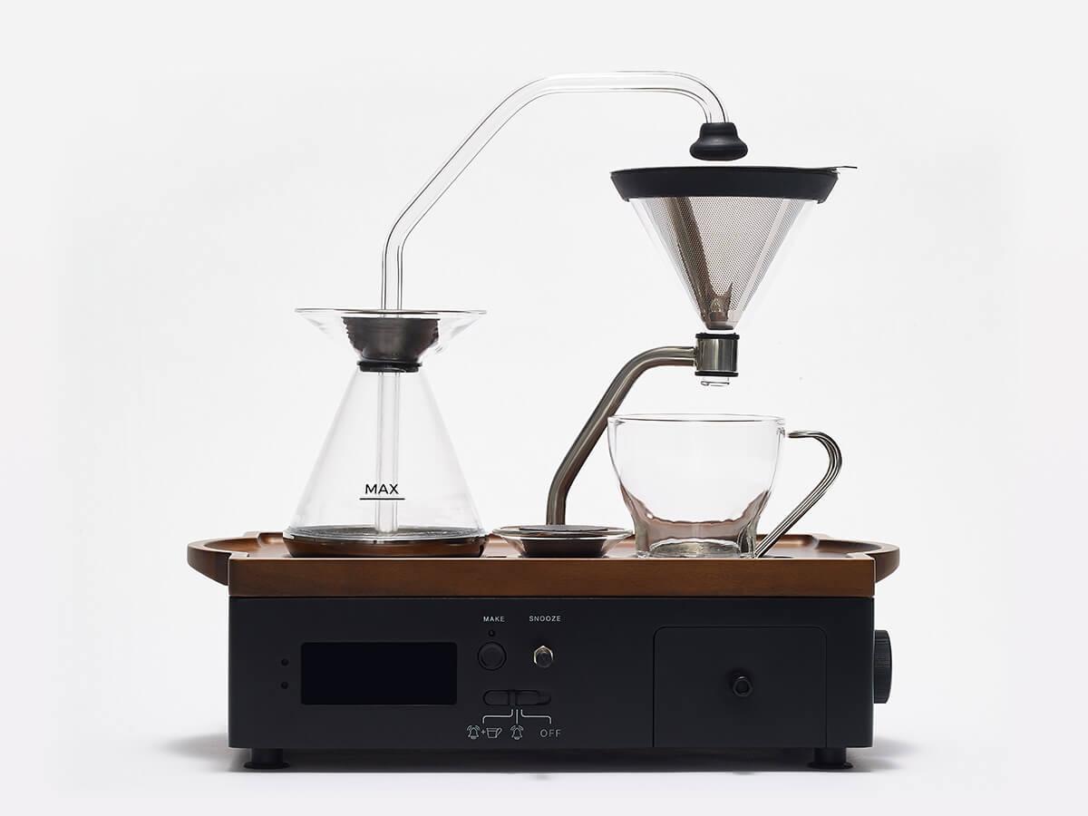 Deze wekker die koffie zet is alles wat je s ochtends nodig hebt