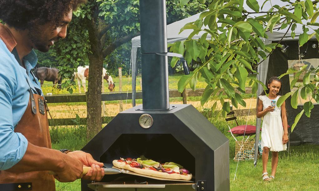 Aldi slaat terug met betaalbare pizza oven voor in de tuin thumb