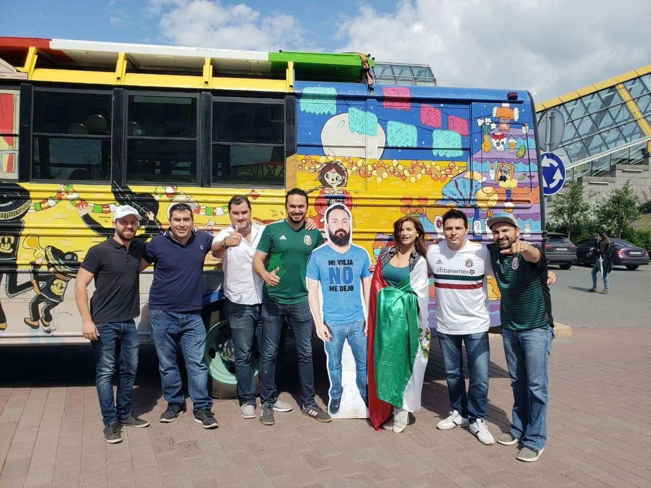 Mexicaan mag van vrouw niet naar WK vriendengroep verzint iets briljants 01