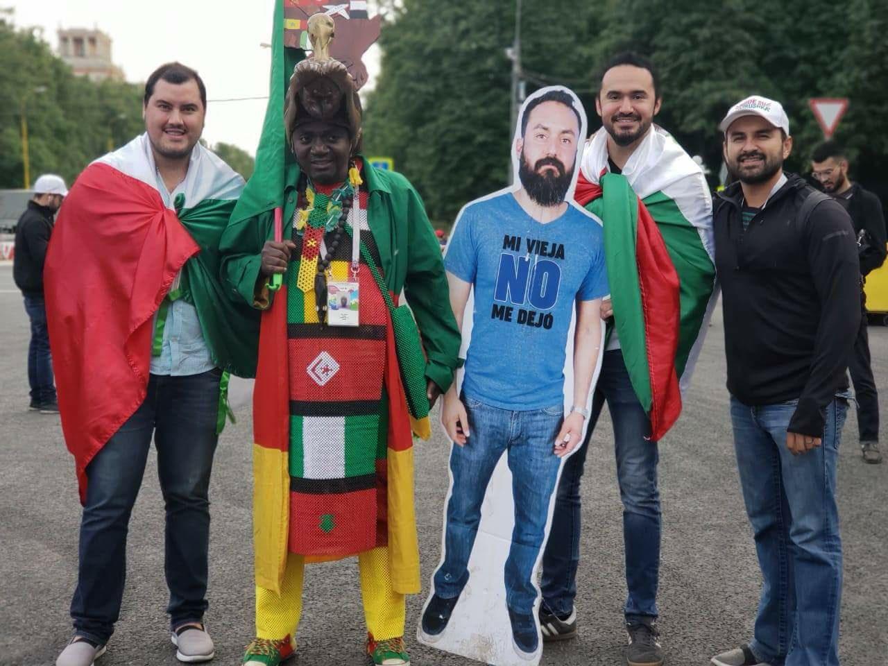 Mexicaan mag van vrouw niet naar WK vriendengroep verzint iets briljants 07