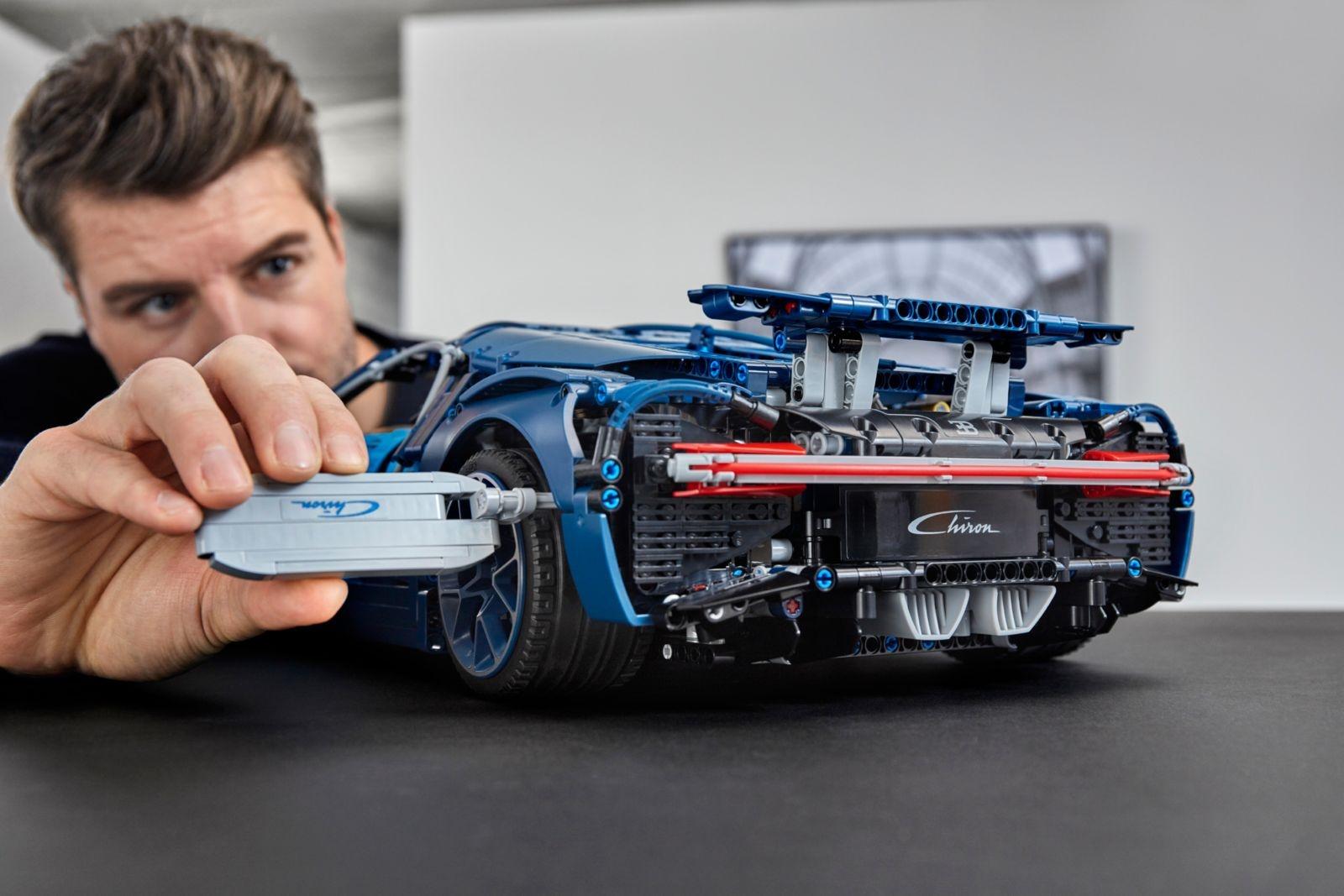 Voor nog geen 400 euro is deze Bugatti Chiron van jou 04