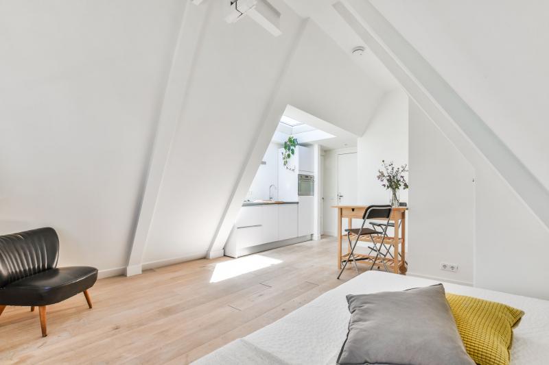 opdealtje in Amsterdam zolderkamer van 20m2 in de Pijp voor slechts 200000 euro 03