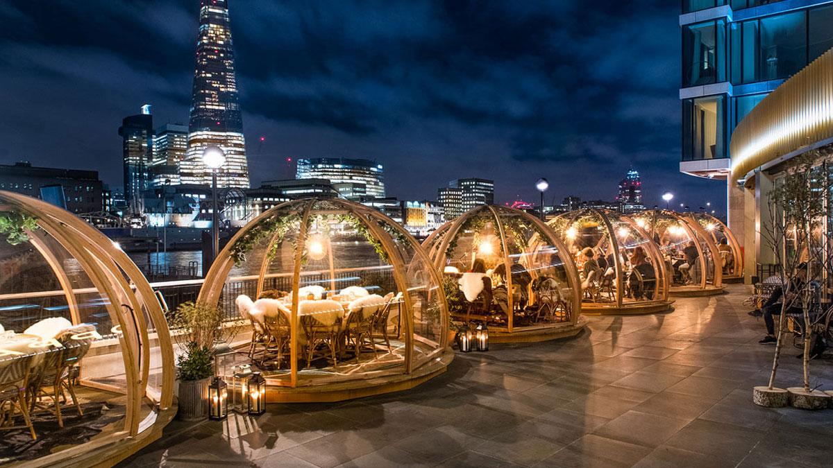 Dineren in een iglo met uitzicht op de Tower Bridge 02