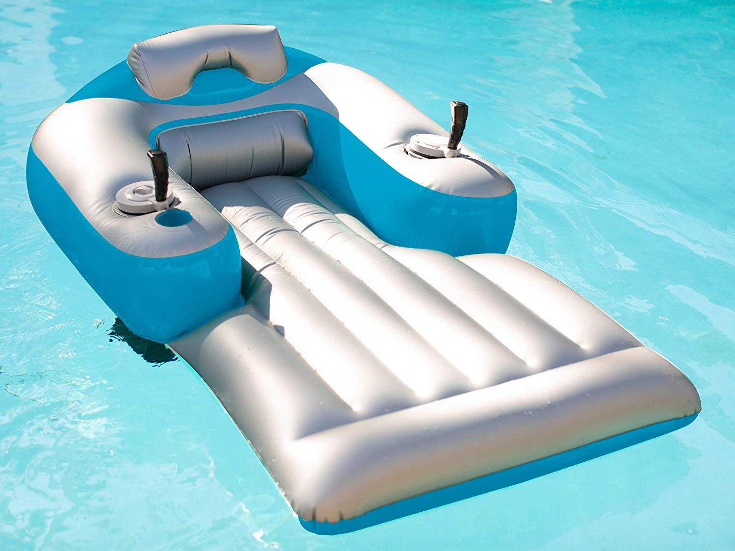 Dit luxe gemotoriseerde luchtbed is een must have voor de zomer 5