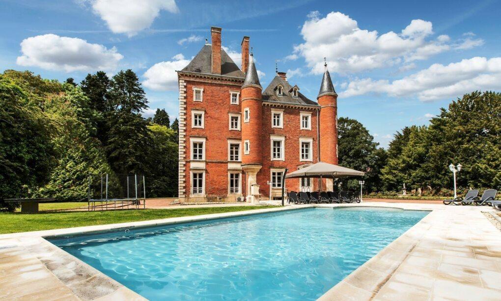 Voor 5000 euro per week ben jij Koning van dit Franse kasteel
