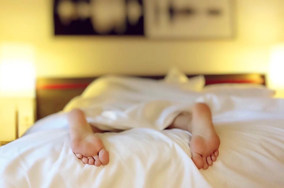 Dit is waarom je s'nachts beter geen ondergoed kunt dragen