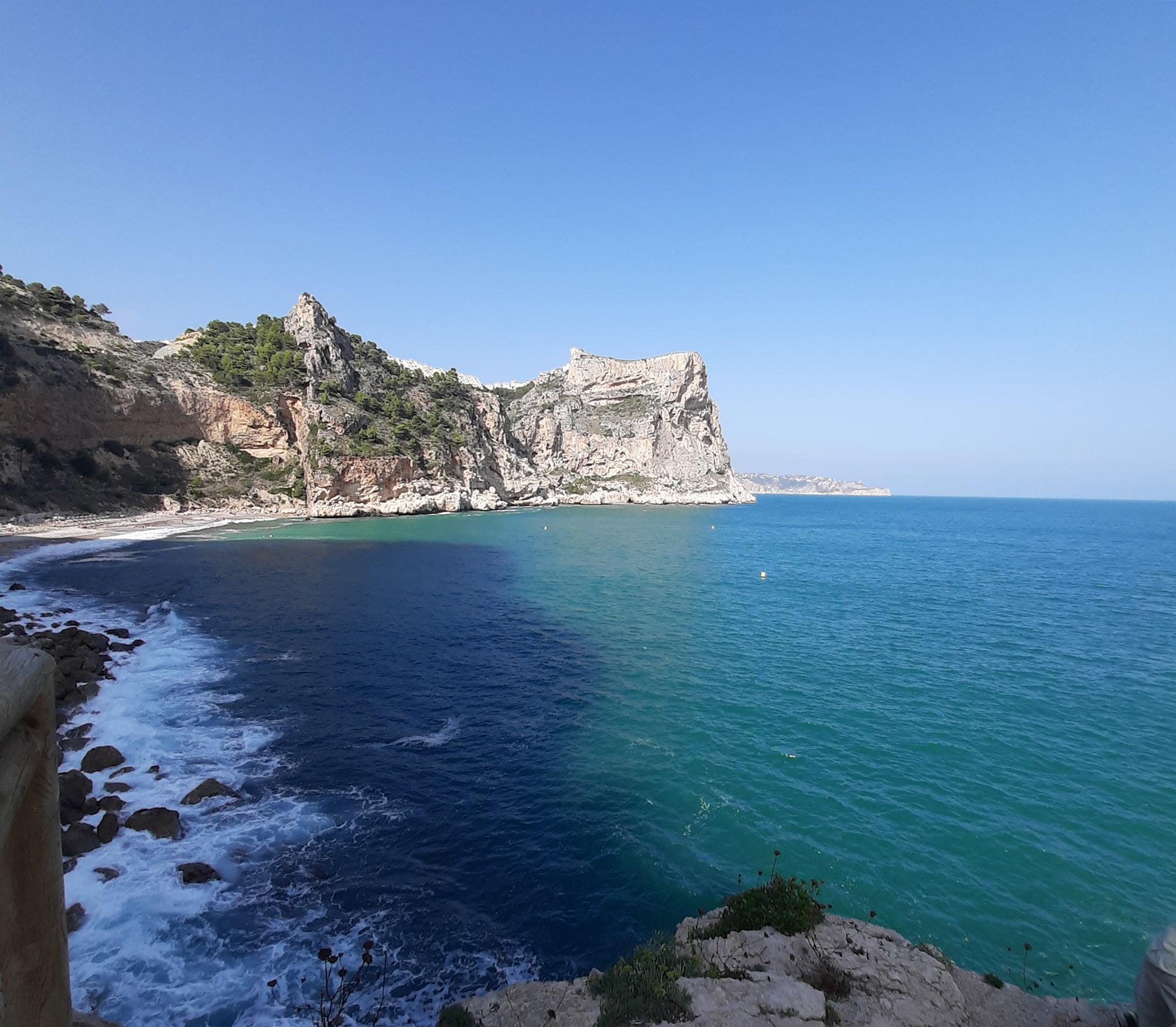 De mooiste baaitjes en stranden vind je gewoon aan de Spaanse Costa Blanca 07