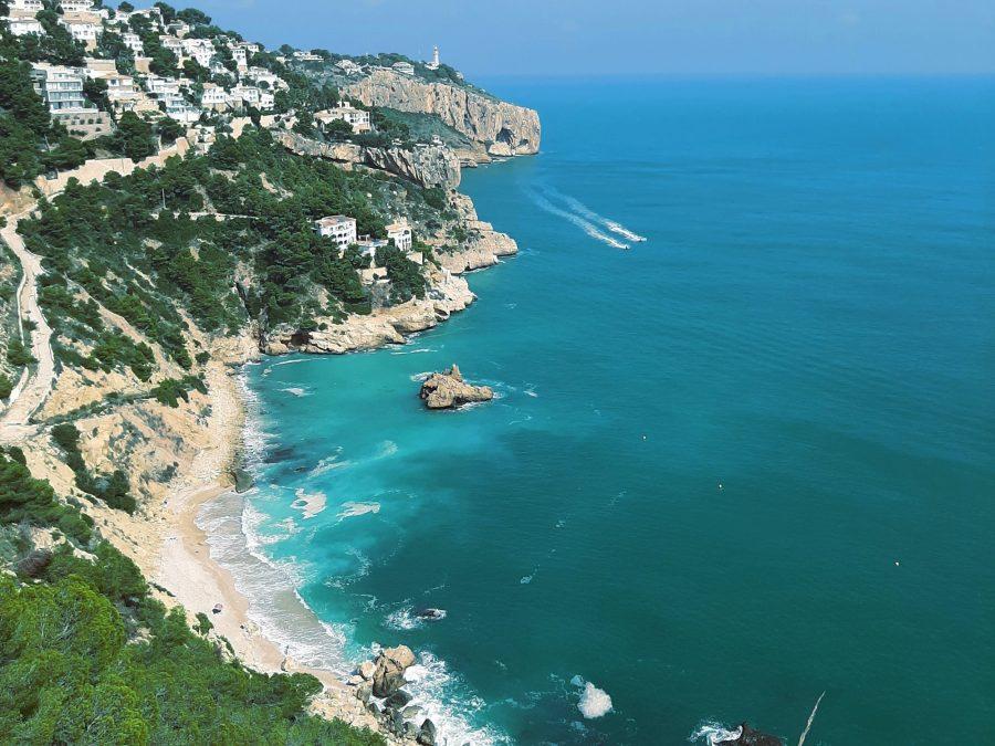 De mooiste baaitjes en stranden vind je gewoon aan de Spaanse Costa Blanca 08