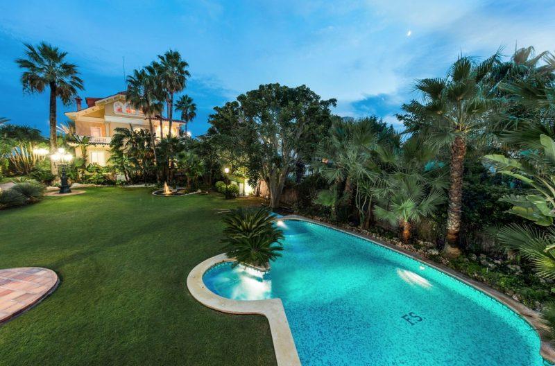 Deze airbnb villa in Catalonie is betaalbaar en extreem luxe