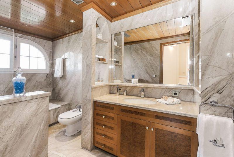 Deze airbnb villa in Catalonie is betaalbaar en extreem luxe11