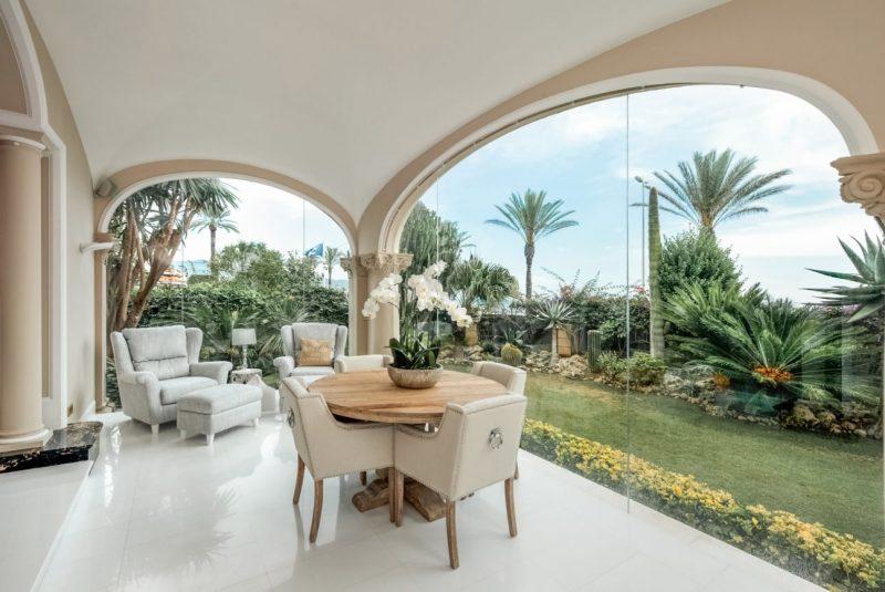 Deze airbnb villa in Catalonie is betaalbaar en extreem luxe4