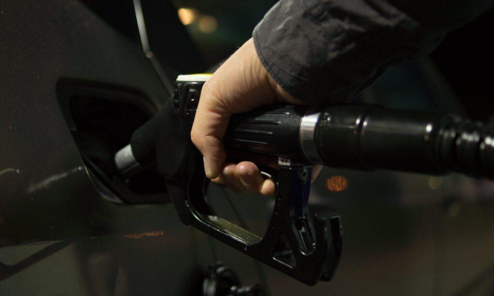 ZZP MKB tanken parkeren en auto wassen met 1 pas 1