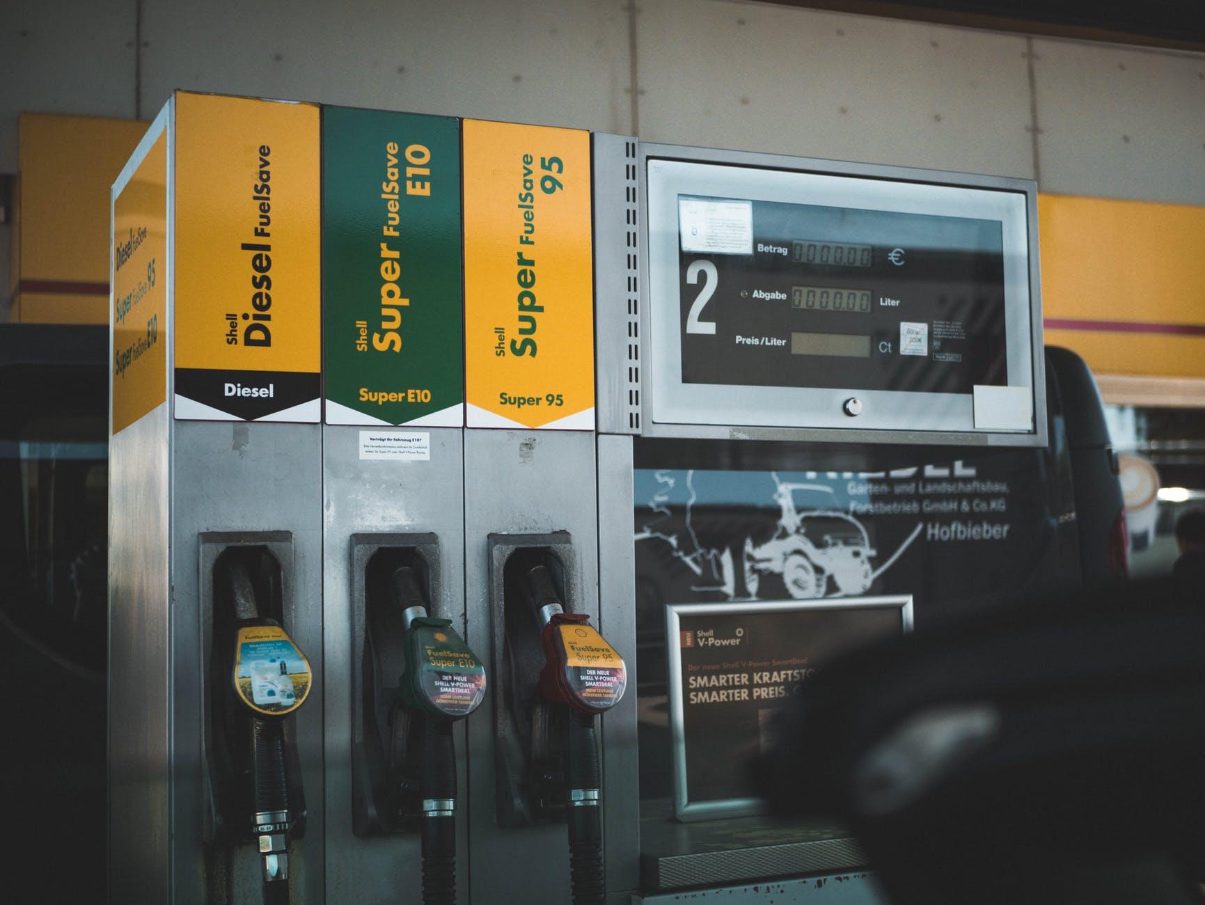 ZZP MKB tanken parkeren en auto wassen met 1 pas 3