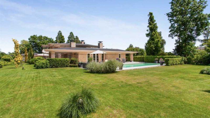 Hakim Ziyech verwend zichzelf met deze villa van 44 miljoen1