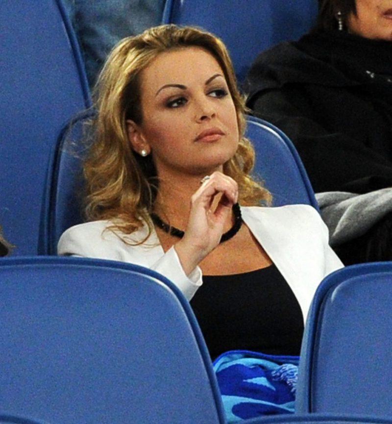 Berlusconi 83 dumpt zijn 34 jarige vriendin voor een nóg jongere versie2