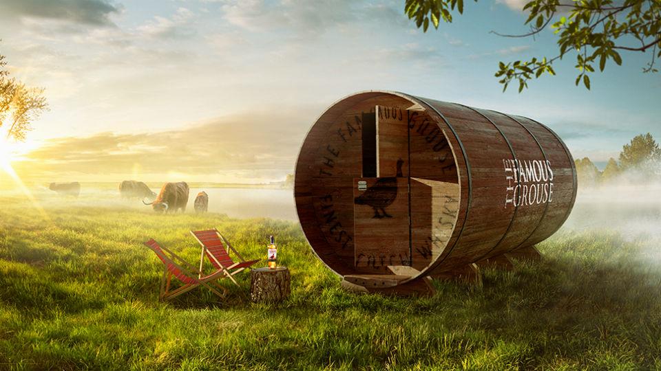 Je kunt vanaf nu overnachten in dit Whiskyvat van The Famous Grouse