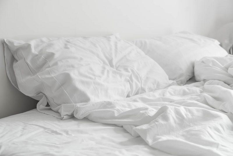 bed opmaken ochtend